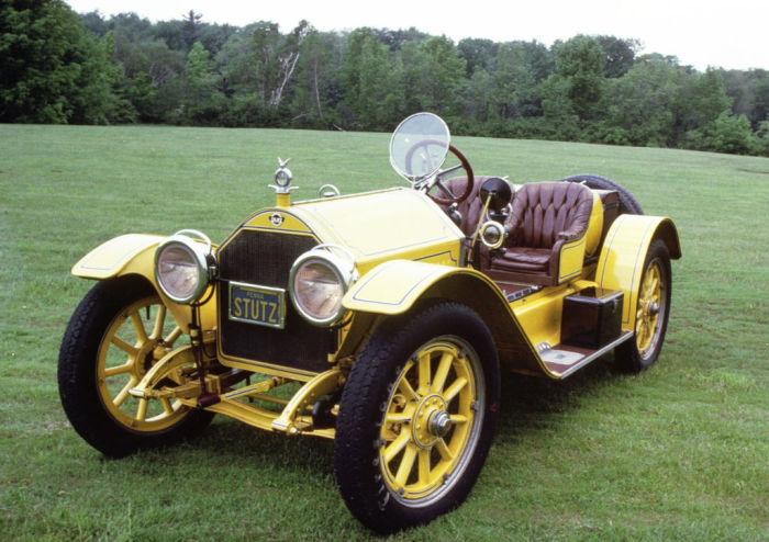 Желтая бестия – один из ранних дорожных спортивных автомобилей.