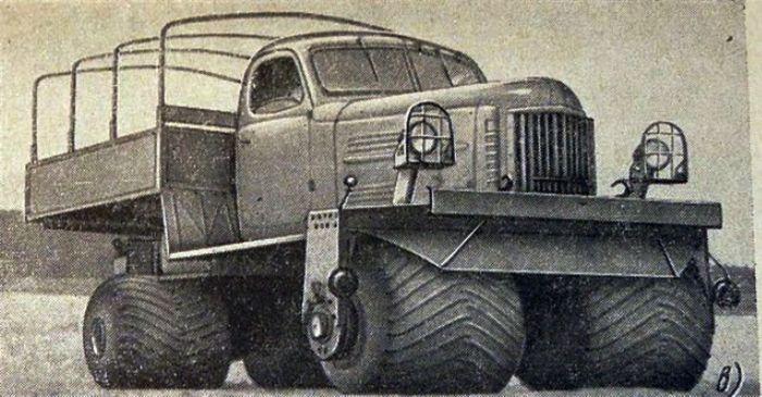 Небольшой легкий грузовик ЗИЛ-132С мог ездить до 55 км/ч.