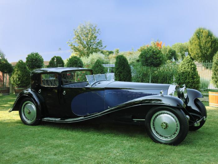 Внешний вид этого автомобиля с собственным именем Coupe Napoleon спроектировал 22-летний Жан Бугатти.
