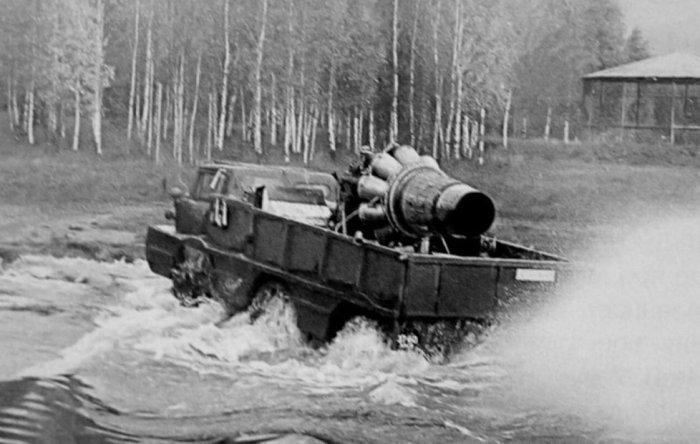 Газотурбинный двигатель в кузове ЗИЛ-132П.