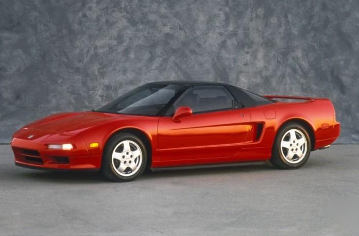 Honda NSX – один из лучших спортивных автомобилей 1990-х.