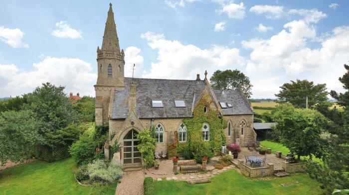 150-летняя английская церковь с собственным кладбищем. | Фото: michelletshuffman.tumblr.com.