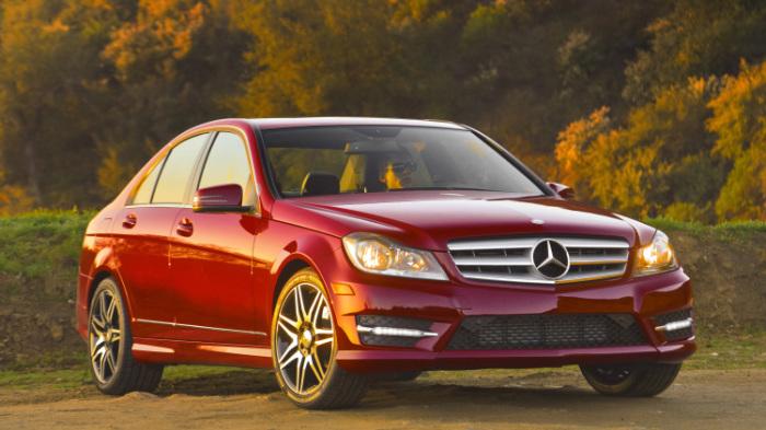 Mercedes-Benz C-Class - популярный компактный автомобиль, один из лучших в своем классе.