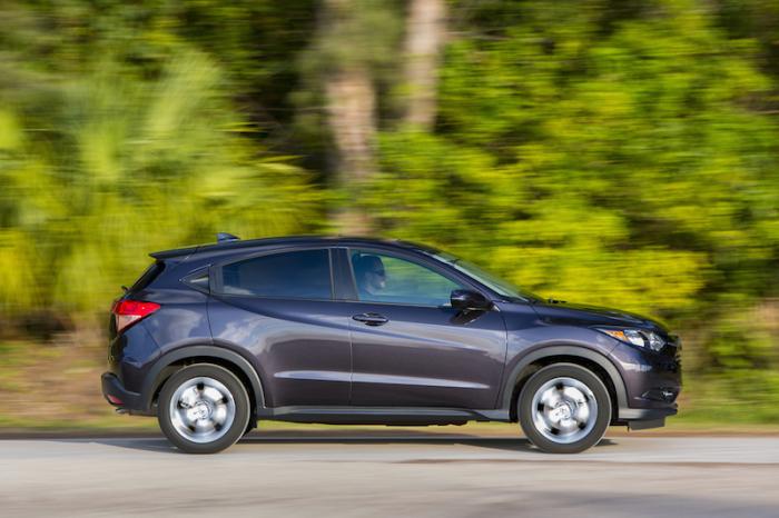 Обновленный мини-кроссовер Honda HR-V согласно рейтинга имеет худшие фары.