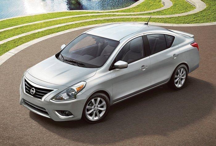 Nissan Versa – компактный седан на базе популярного хэтчбека Nissan Note.