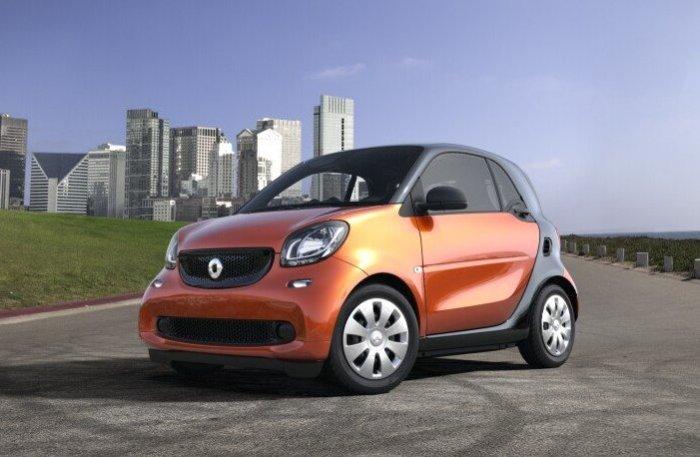 Smart ForTwo Pure – маленький автомобиль с большими возможностями.