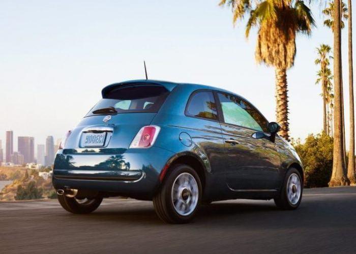 Итальянский городской автомобиль Fiat 500. | Фото: cheatsheet.com.