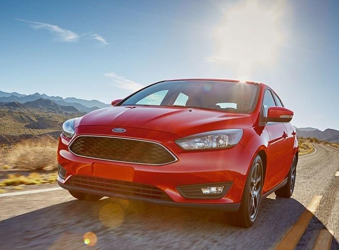 Компактный автомобиль Ford Focus Sedan третьего поколения. | Фото: cheatsheet.com.