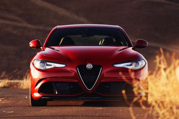 Alfa Romeo Giulia – седан с двигателем от Ferrari.