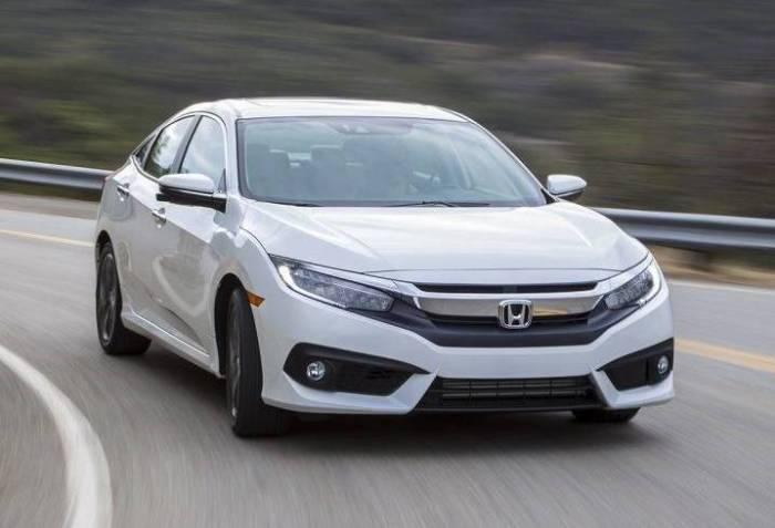 Компактный седан Honda Civic десятого поколения. | Фото: honda-kiev.com.ua.