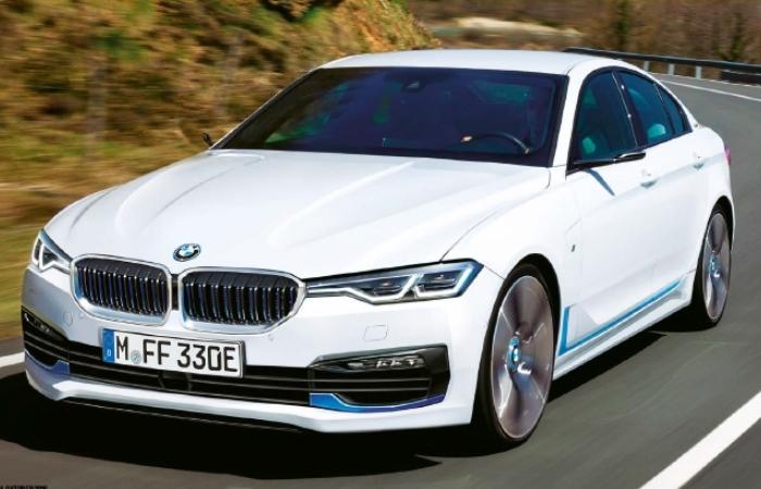 Седан BMW 3 Series 2018 года. | Фото: bmwblog.com.