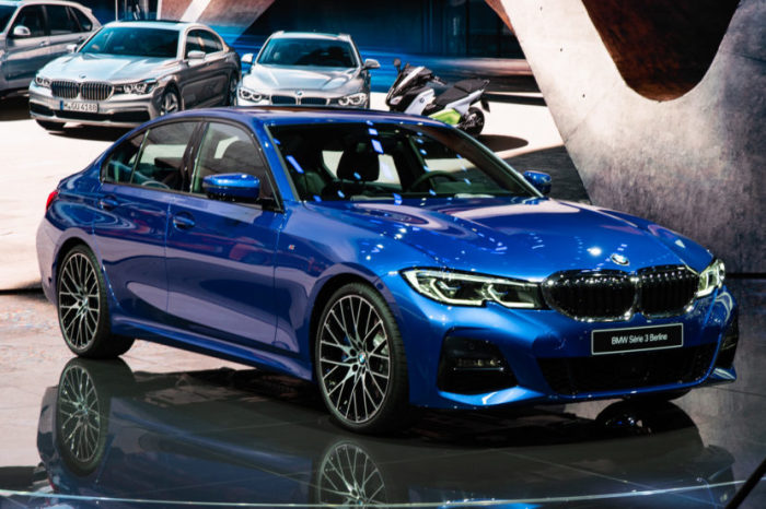 Дизайн «тройки» BMW седьмого поколения в кузове G20 до последнего момента держался в секрете. | Фото: bmwblog.com.