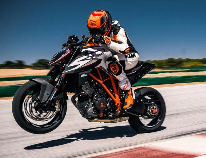 KTM 1290 Super Duke – австрийский мотоцикл с 1,3-литровым мотором. | Фото: totalmotorcycle.com.