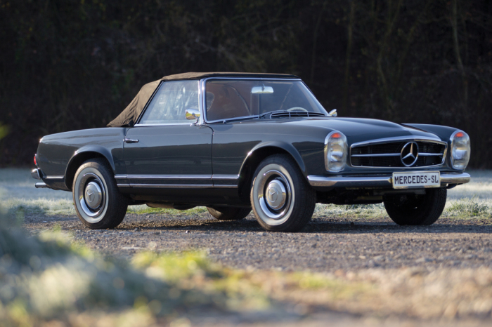 Это первый автомобиль такого класса, оснащенный автоматической коробкой передач.