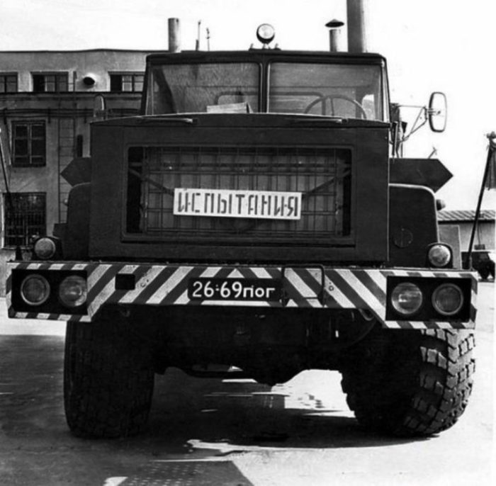 КрАЗ-Э260Е. Под капотом газовая турбина.