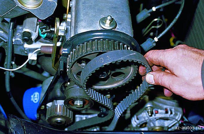 Ремень ГРМ стоит проверят почаще, так как его обрыв ведет к дорогому ремонту. | Фото: automuse.ru.