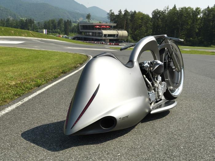 Уникальный мотоцикл Akrapovic Full Moon.