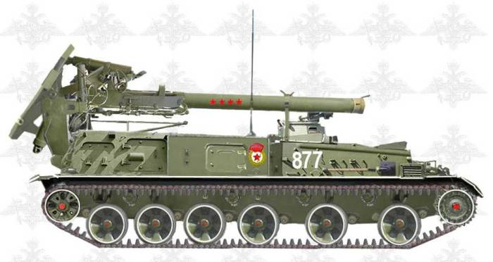 Самоходный миномет 2С4 «Тюльпан» калибра 240 мм в парадной раскраске.