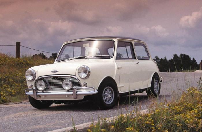 Более мощная версия обычного Mini, созданная конструктором Формулы-1 Джоном Купером.