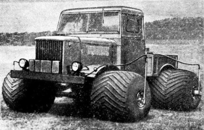НАМИ-044Э – внедорожный грузовик на пневмобаллонах.