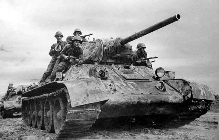Знаменитый советский средний танк. | Фото: kokshetau.online.