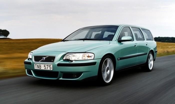 Шведский универсал Volvo V70 R универсал второго поколения. | Фото: car.ru.