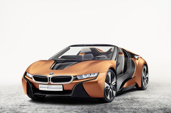Бездверный BMW i8 Spyder с широчайшими электронными возможностями.