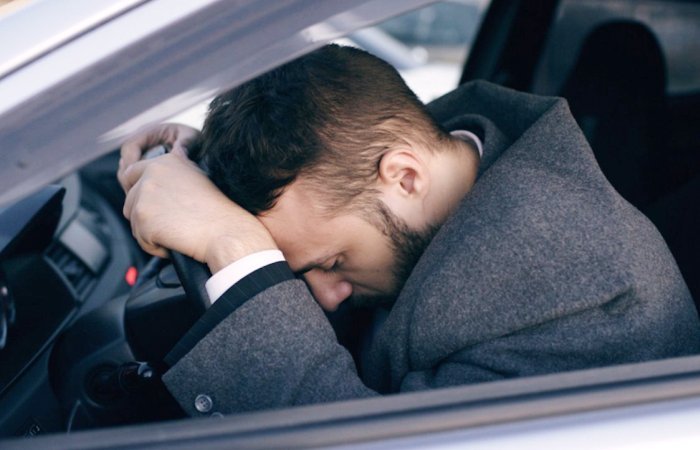 Любая поломка машины - это всегда неприятно. | Фото: businessinsider.in.