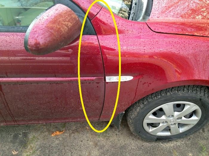 Крыло этого автомобиля явно перекрашено. | Фото: drive2.ru.