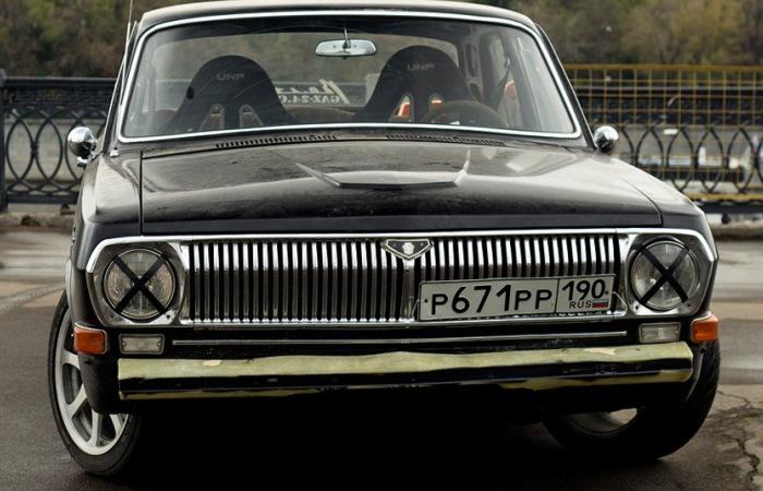 Даже старенькая «Волга» может стать объектом тюнинга. | Фото: drive2.ru.