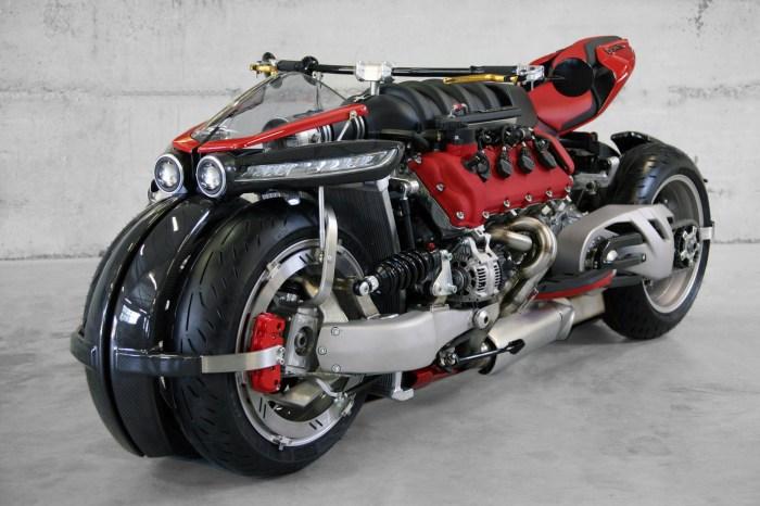 Брутальный байк с Maserati V8.