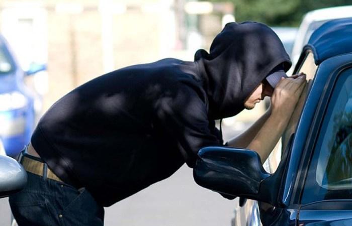 Автомобильные мошенники порой весьма остроумны. | Фото: twitter.com.