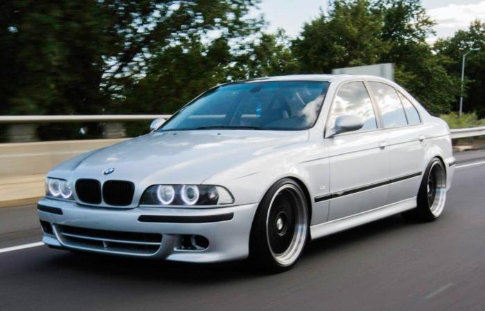 BMW 5 Series в знаменитом кузове E39, 2000 год. | Фото: cardomain.com.