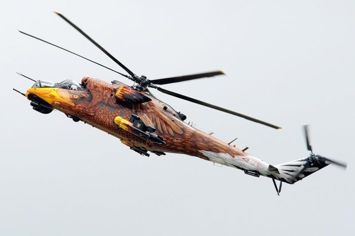 Демонстрационный вертолет Ми-24 военно-воздушных сил Венгрии, раскрашенный под грозную хищную птицу. | Фото: pikabu.ru.
