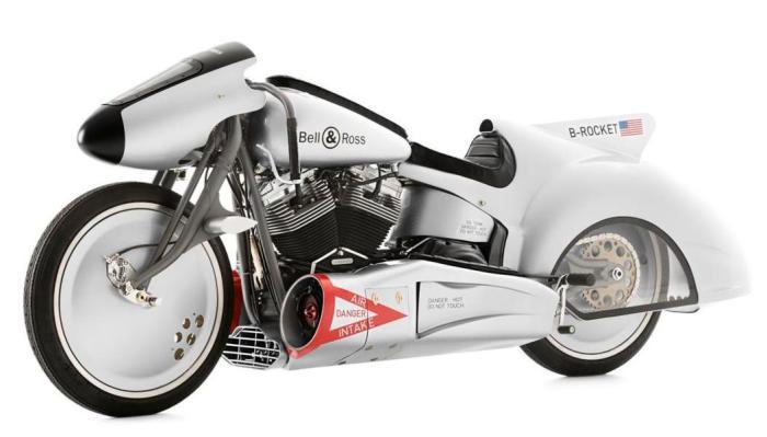 Гоночный внешний вид мотоцикла-самолета.