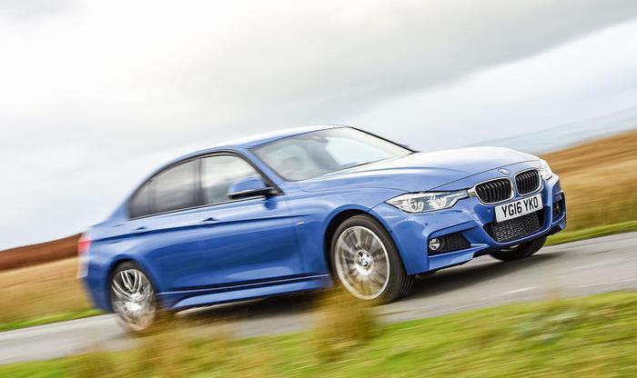Компактный престижный седан BMW 3 Series в кузове F30. | Фото: autocar.co.uk.
