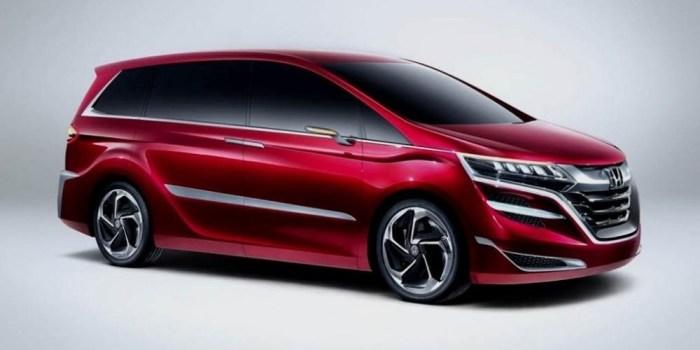 Минивэн Honda Odyssey 2017 года.