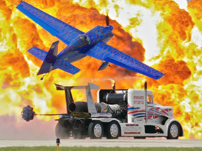 Shockwave и легкий спортивный самолет.