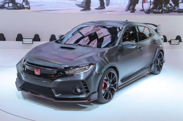Honda опирается на более широкое шасси нового Civic, чтобы улучшить сцепление и стабильность перемещения, вместе с новым аэродинамическим пакетом.
