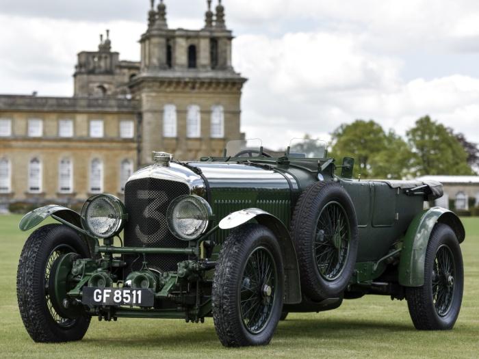 Окрашенный в зеленый гоночный цвет британских машин Bentley Speed 6 «Old Number Three» 1930 года.