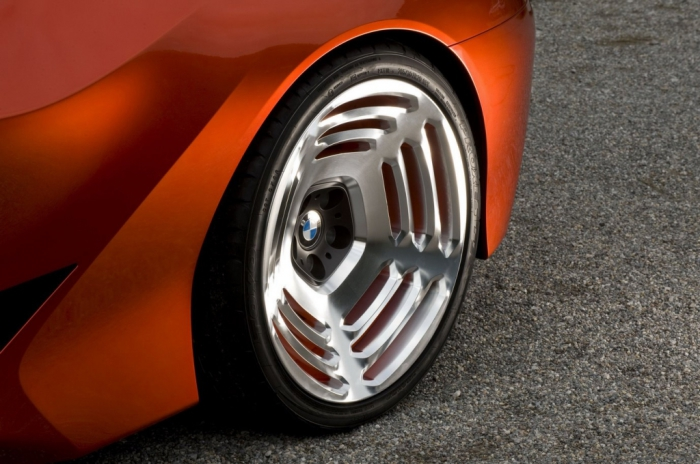 Уникальные колесные диски BMW M1 Hommage.