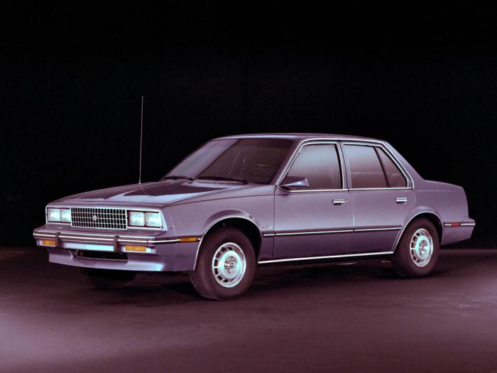 Cadillac Cimarron – бюджетный автомобиль, который должен был стать конкурентом Mercedes-Benz и BMW.