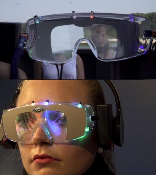 Очки закрывают часть поля зрения и «двоят» картинку. | Фото: youtube.com.