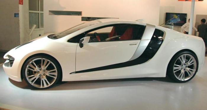 CH Auto Lithia в профиль напоминает Audi R8.