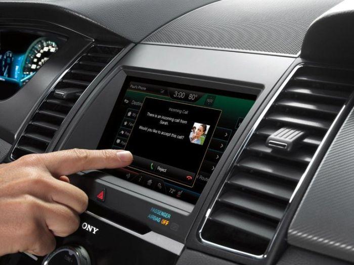 Теперь любые приложения доступны и в автомобиле.
