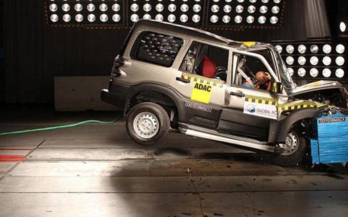 Индийский внедорожник Mahindra Scorpio выпускается с 2002 года и уже пережил немало изменений. | Фото: autocar.co.uk.