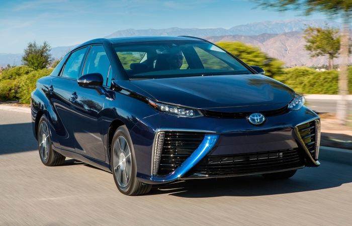 Toyota Mirai - автомобиль на водороде.