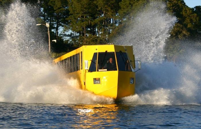 Hydra-Terra входит в воду с большим количеством брызг. | Фото: newatlas.com.