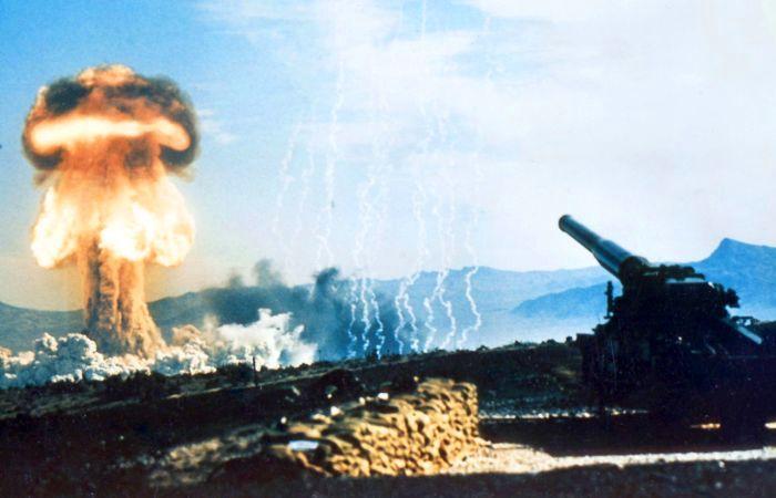 Испытание американской ядерной пушки M65 на полигоне в штате Невада, 1953 год.