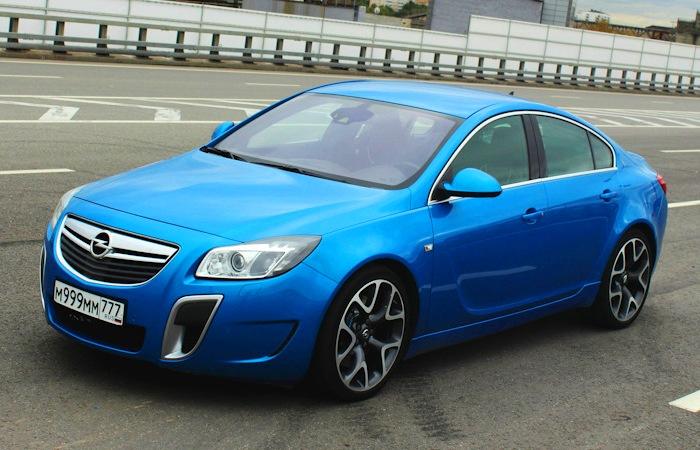 Opel Insignia – привлекательный седан, покупка которого позволит немало сэкономить.